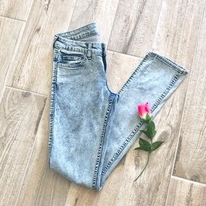 DIVIDED | High Waist Skinny Jeans